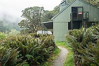 Lake Mackenzie Hut on Routeburn Track, Fiordland National Park, Southland, South Island, UNESCO World Heritage Area, New Zealand, NZ