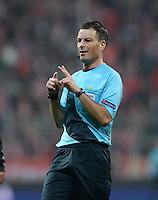FUSSBALL  CHAMPIONS LEAGUE  VIERTELFINALE  HINSPIEL  2012/2013      FC Bayern Muenchen - Juventus Turin       02.04.2013 Schiedsrichter Mark Clattenburg