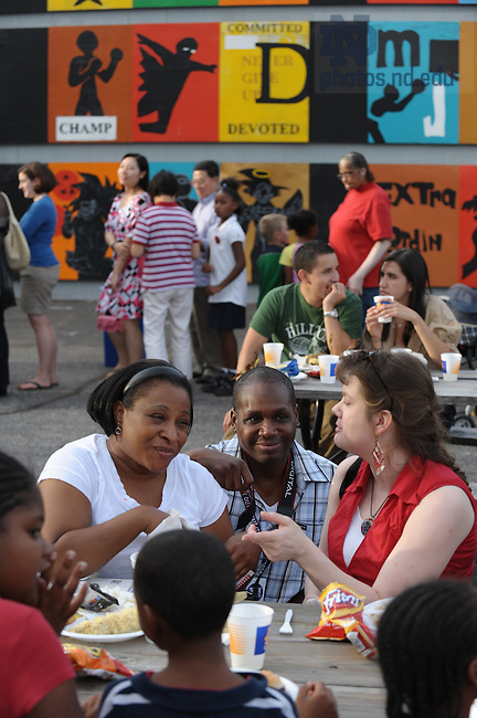 Robinson Community Learning Center block party, September 19, 2008..Photo by Matt Cashore/University of Notre Dame