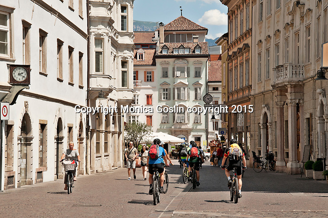 Bike riders head towards the main square, Walther Square