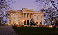 Rhode Island, Newport, Marble House, dusk Christmas
