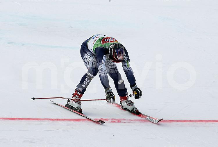 Ski Alpin; Saison 2005/2006 Riesenslalom Soelden Herren Bode Miller (USA) ueberquert die Ziellinie