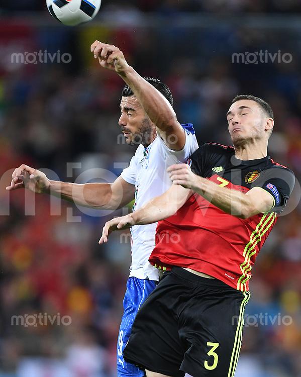 FUSSBALL EURO 2016 GRUPPE E IN LYON Belgien - Italien          13.06.2016 Graziano Pelle (li, Italien) gegen Thomas Vermaelen (re, Belgien)