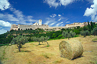 Assisi, Umbria, Italy, June 2006. The Basilica of San Francesco. Assisi is a good place to stay, when travelling through the beautiful surrounding countryside with its medieval walled villages and cities, olive groves and vineyards. Photo By Frits Meyst/Adventure4ever.com