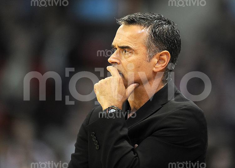 Basketball 1. Bundesliga  2010/2011  12.10.2011 FC Bayern Muenchen - Walter Tigers Tuebingen  Trainer Dirk Bauermann (FC Bayern Muenchen)