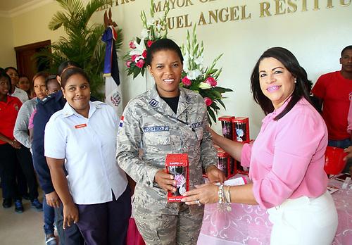 Élida Pichardo de Payán, presidente de CEOFARD, exhortó a las damas a tener mayor autoestima y reclamar el sitial que les corresponde como mujeres y afanarse en lograr un mejor porvenir.