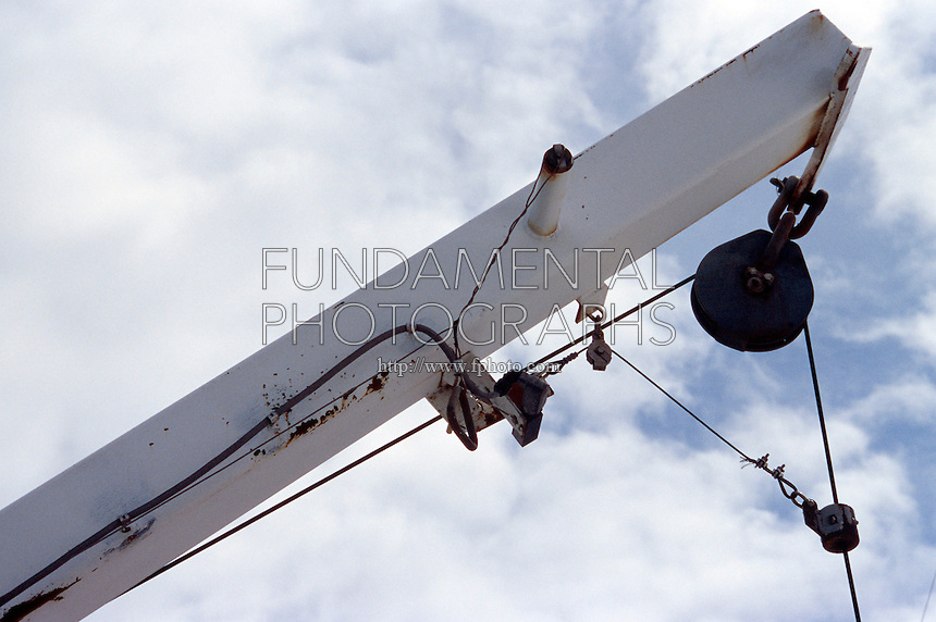 Pulleys In Cranes : Science physics simple machine pulley fundamental