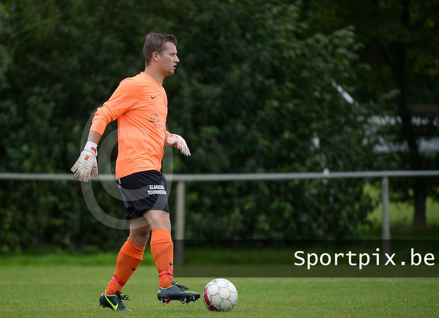 VV Emelgem - Kachtem : Lander Thomas <br /> Foto VDB / Bart Vandenbroucke