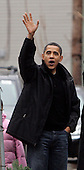 Chicago, IL - December 14, 2008 -- United States President-elect  Barack Obama waves to supporters after picking out a Christmas tree on Sunday, December 14, 2008, in Chicago, Illinois. .Credit: Frank Polich - Pool via CNP