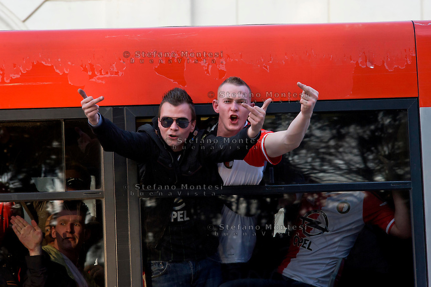 Roma 19 Febbraio 2015<br /> Hooligan Feyenoord sugli autobus che li portano allo stadio,  in vista della partita che si svolger&agrave; stasera allo stadio Olimpico contro la Roma. <br /> Rome February 19, 2015<br /> Feyenoord hooligans on buses that take them to the stadium for the match which will take place tonight at the Olympic Stadium against Roma.