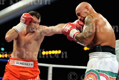 Saturday 21 November 2009,Sparkassen-Arena, Kiel, Schleswig-Holstein, Germany.WBC cruiserweight title,12 rounds.Giacobbe Fragomeni (Italy) vs Zsolt Erdei (.Hungary)..