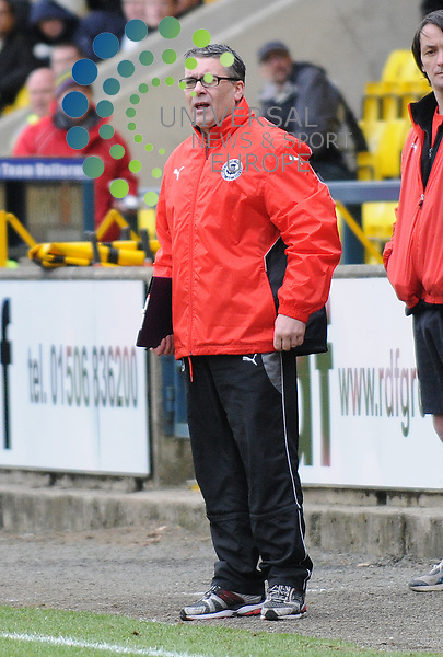 Livingston v Partick Thistle.Irn Bru SFL Div 1.28/02/2009 - Almondvale Stadium, Livingston..Partick Thistle manager Ian McColl during this afternoons 4-2 victory for his side at Livingston...Picture by Steven Carrie.