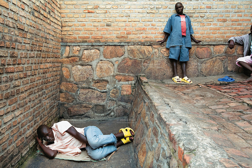 Rwanda. Jail | Didier Ruef | Photography - 424.8KB