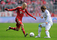 FUSSBALL   1. BUNDESLIGA  SAISON 2011/2012   23. Spieltag  26.02.2012 FC Bayern Muenchen - FC Schalke 04        Arjen Robben (li, FC Bayern Muenchen)  gegen Christian Fuchs (FC Schalke 04)