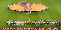 FUSSBALL   EUROPA LEAGUE   SAISON 2012/2013    VfB Stuttgart (li) - FC Kopenhagen   25.10.2012 Mannschaftsaufstellungen beider Mannschaften vor dem Spiel