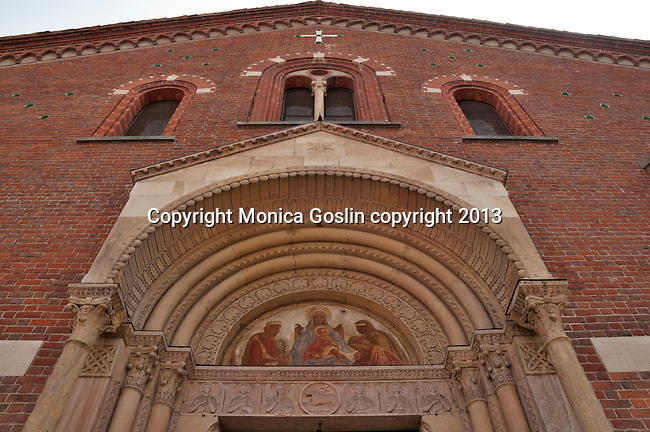 Basilica of Sant'Eustorgio holds the tomb of the Three Kings, of Romanesque style and rebuilt in the 12th century
