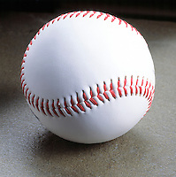 Sphere - Baseball<br /> The inside is made of wool yarns and the exterior is leather.