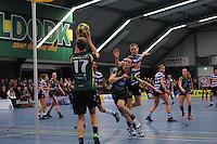 KORFBAL: GORREDIJK: Sport- en Ontspanningscentrum Kortezwaag, 27-11-2013, LDODK - AKC BLAUW WIT, Eindstand 25-28, Marjon Visser (#1 | LDODK), ©foto Martin de Jong