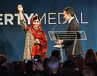 Malala Yousafzai receives the National Constitution Center's 2014 Liberty Medal