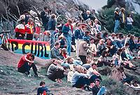Spectators on the cliffs of witnessed Simon Anderson (AUS), win the 1981 Rip Curl Pro at Bells Beach, Torquay, Victoria, Australia. circa 1981..Photo: Joliphotos.com