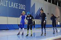 SCHAATSEN: SALT LAKE CITY: Utah Olympic Oval, 13-11-2013, Essent ISU World Cup, training, Annouk van der Weijden (NED), Brooke Lochland (AUS), Manon Kamminga (NED), ©foto Martin de Jong