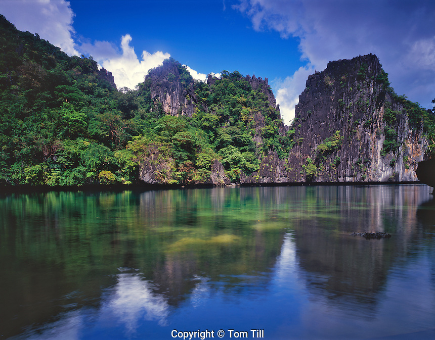 Big Lagoon and Rainforests surrounded by Coral Reefs, El Nido Protected Area, Bacuit Bay, Philippines