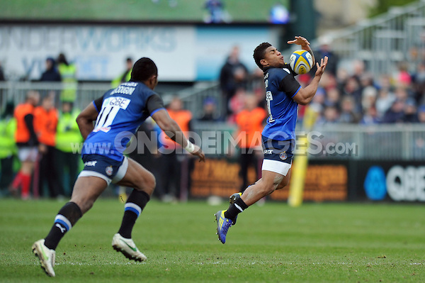 Kyle Eastmond catches the ball. Aviva Premiership match, between Bath Rugby and London Welsh on March 30, 2013 at the Recreation Ground in Bath, England. Photo by: Patrick Khachfe / Onside Images
