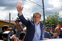 Chile's former president and presidential candidate of the government Coalition, Eduardo Frei, and his  his wife Marta Larraechea, in the polling station to cast their ballot in Santiago de chile national election.