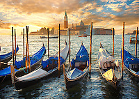 http://www.funkystockphotos.com/pictures-photos-images-info/pictures-photos-of-the-doges-palace-venice-italy/