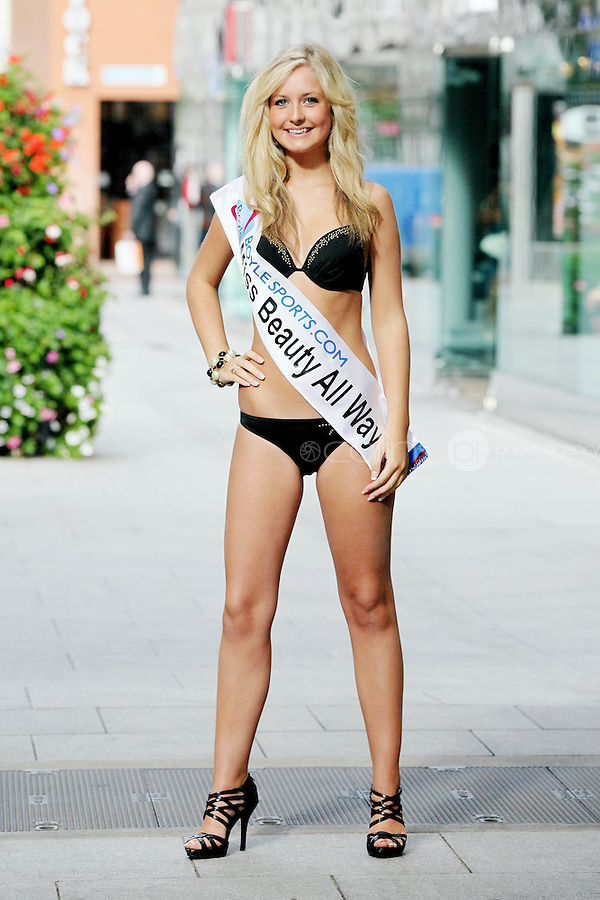 17/9/2010. Miss Ireland contestants. Miss Beauty Always Rachel Kelly is pictured at St Stephens Green. the 35 Miss Ireland contestants officially unveiled in their swimwear and sashes for the 1st time at Stephen's Green Shopping Centre,  Dublin. Picture James Horan/Collins Photos