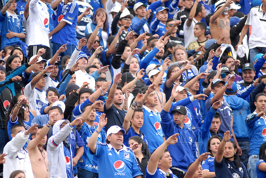 BOGOTA - COLOMBIA -28 - 02 - 2016: Hinchas de Millonarios animan a su equipo durante partido de la fecha 7 entre Millonarios y Deportes Tolima, de la Liga Aguila I-2016, jugado en el estadio Nemesio Camacho El Campin de la ciudad de Bogota.  / Fans of Millonarios cheer for their team during a match between Millonarios and Deportes Tolima, for the 7 date of the Liga Aguila I-2016 at the Nemesio Camacho El Campin Stadium in Bogota city, Photo: VizzorImage / Luis Ramirez / Staff.