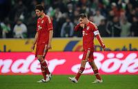 FUSSBALL   1. BUNDESLIGA   SAISON 2011/2012   18. SPIELTAG Borussia Moenchengladbach - FC Bayern Muenchen    20.01.2012 Mario Gomez (li) und Philipp LAHM (re, beide Bayern) sind enttaeuscht xxNOxMODELxRELEASExx