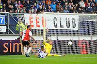 VOETBAL: HEERENVEEN: Abe Lenstra Stadion 18-10-2015, SC Heerenveen - Feyenoord, uitslag 2-5, Heerenveen keeper Erwin Mulder keert de bal, ©foto Martin de Jong
