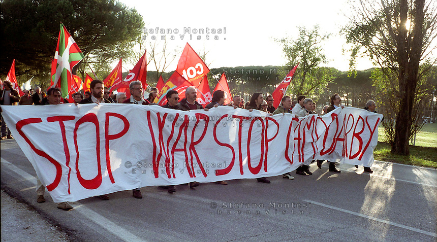 Firenze 7 November 2002.The demonstration, organized by the European Social Forum, anti-war and anti-globalization..Demonstration outside the U.S. military base at Camp Derby..