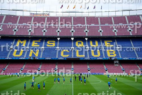 23.04.2012, Stadion Camp Nou, Barcelona, ESP, UEFA CL, Halblfinal-Rueckspiel, FC Barcelona (ESP) vs FC Chelsea (ENG), im Bild FC Barcelona players ahead the UEFA Championsleague Halffinal 2st Leg Match, between FC Barcelona (ESP) and FC Chelsea (ENG), at the Camp Nou Stadium, Barcelona, Spain on 2012/04/23. EXPA Pictures © 2012, PhotoCredit: EXPA/ Propagandaphoto/ David Rawcliffe..***** ATTENTION - OUT OF ENG, GBR, UK *****