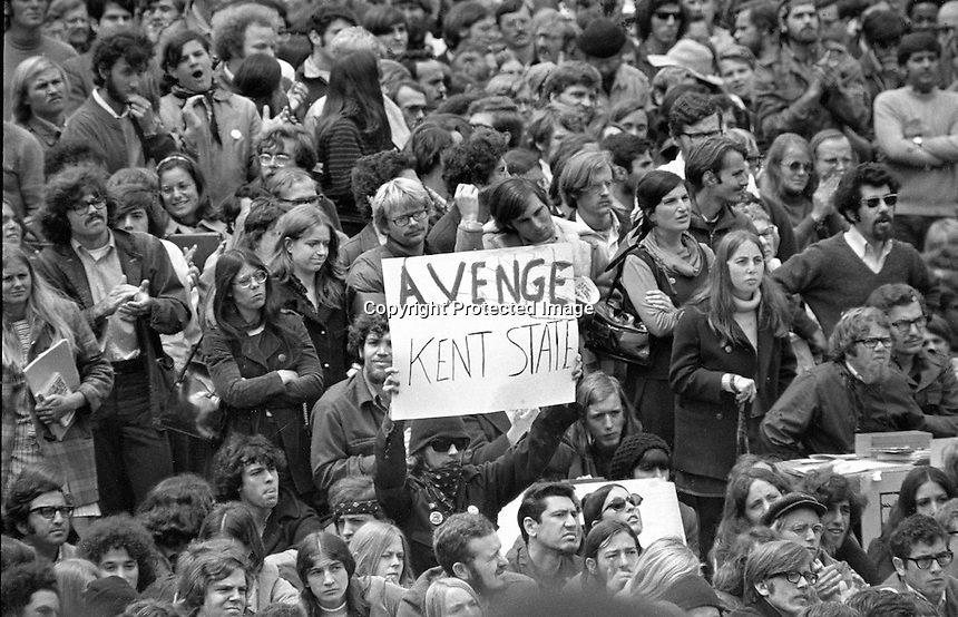 University of California at Berkeley protesting United States envolvment in Southeast Asia. (1970 photo by Ron Riesterer)