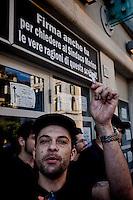Roma, 9 Giugno  2015<br /> Il comune di Roma revoca la concessione del Nuovo Cinema Aquila, storico cinema del quartiere Pigneto, con tre anni di anticipo rispetto alla scadenza del regolare contratto di concessione e i lavoratori del cinema verranno licenziati.<br /> Il Nuovo Cinema Aquila &egrave; l'unico cinema che a Roma  a proiettato il film di Sabina Guzzanti &quot;La trattativa Stato-Mafia&quot;.  Nella foto: un lavoratore riconsegna le chiavi del cinema.<br /> Rome, June 9, 2015<br /> The municipality of Rome revoked the grant of the Nuovo Cinema Aquila, the historic movie theater of Pigneto, with three years in advance of the expiry of the concession contract and regular employees of the cinema will be laid off.<br /> The Nuovo Cinema Aquila is the only cinema in Rome to screen the film by Sabina Guzzanti &quot;Negotiation State-Mafia&quot;. Pictured: a worker return the keys of the cinema.