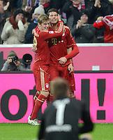 FUSSBALL   1. BUNDESLIGA  SAISON 2012/2013   13. Spieltag FC Bayern Muenchen - Hannover 96     24.11.2012 JUBEL nach dem TOR zum 5:0 durch Mario Gomez mit Toni Kroos (v. re., FC Bayern Muenchen)