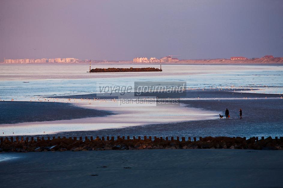 Europe/France/Nord-Pas-de-Calais/59/Nord/Dunkerque: La ,Côte d'Oplae vers Malo-les_Bain et Bray-Dunes vue depuis le Digue du Break