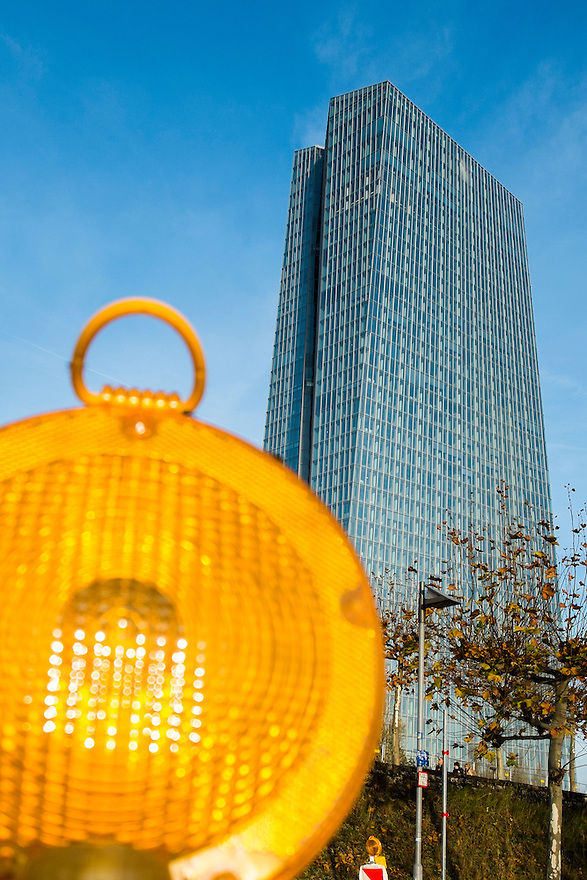 Duitsland, Frankfurt am Main, 23 nov 2014<br /> Het gebouw van de Europese Centrale Bank ECB<br /> Headquarters of the European Central Bank ECB<br /> <br /> Foto: (c) Michiel Wijnbergh