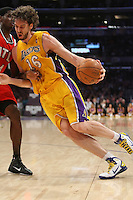 02/22/11 Los Angeles, CA: Los Angeles Lakers power forward Pau Gasol #16 during an NBA game between the Los Angeles Lakers and the Atlanta Hawks at the Staples Center. The Lakers defeated the Hawks 104-80.