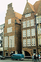 Bernhard Hoetger: Bottcherstrasse, Bremen 1923-31. Robinson Crusoe Haus (left)  & Haus Atlantis. Photo '87.