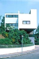 Stuttgart: Le Corbusier and Pierre Jeanneret.