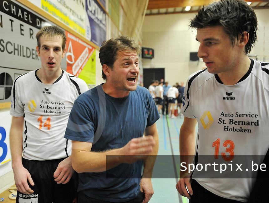 VC Optima Lendelede - VC Herenthout : Trainer / Coach van Herenthout : Jan Van Venckenray.foto VDB / BART VANDENBROUCKE