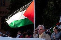 Roma 16  Maggio 2011.Associazioni per la Palestina manifestano per protestare contro la violenta repressione alle manifestazioni in Palestina durante l'anniversario della Nakba.