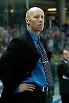Eishockey, DEL, Deutsche Eishockey Liga 2003/2004 , 1.Bundesliga Arena Nuernberg (Germany) Nuernberg Ice Tigers - Iserlohn Roosters (7:2) Trainer Doug Mason (Iserlohn)
