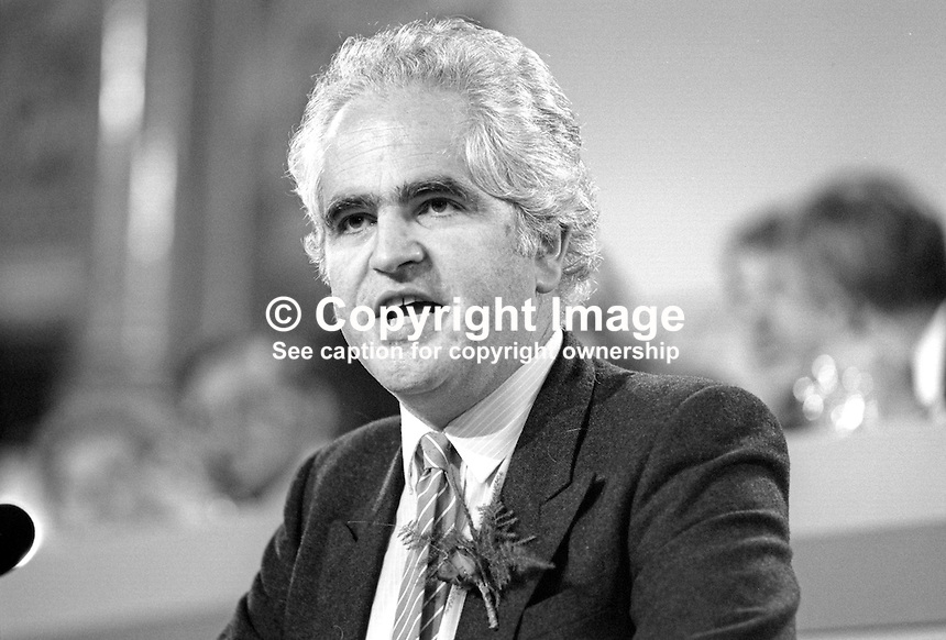 Giles Radice, MP, Durham North, Labour Party, UK, speaking, annual conference, September 1986, 19860914GR3<br /> <br /> Copyright Image from Victor Patterson, 54 Dorchester Park, Belfast, UK, BT9 6RJ<br /> <br /> t1: +44 28 9066 1296<br /> t2: +44 28 9002 2446<br /> m: +44 7802 353836<br /> <br /> e1: victorpatterson@me.com<br /> e2: victorpatterson@gmail.com<br /> <br /> www.victorpatterson.com<br /> <br /> IMPORTANT: Please see my Terms and Conditions of Use at www.victorpatterson.com