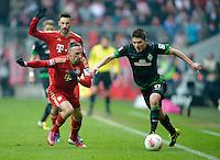 FUSSBALL   1. BUNDESLIGA  SAISON 2012/2013   23. Spieltag  FC Bayern Muenchen - SV Werder Bremen    23.02.2013 Aleksandar Ignjovski (re, SV Werder Bremen) gegen Franck Ribery (li, FC Bayern Muenchen)