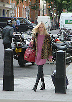 Fearne Cotton Spotting Central London 22 August 2014