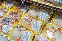 Chicken in a supermarket in the New York neighborhood of Chelsea on Friday, January 27, 2017.  Poultry farmers are on alert because of a bird flu that has been reported in 40 countries since the fall.. (© Richard B. Levine)